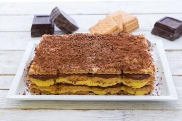 Ricetta Torta Facile Biscotti E Crema Pasticcera