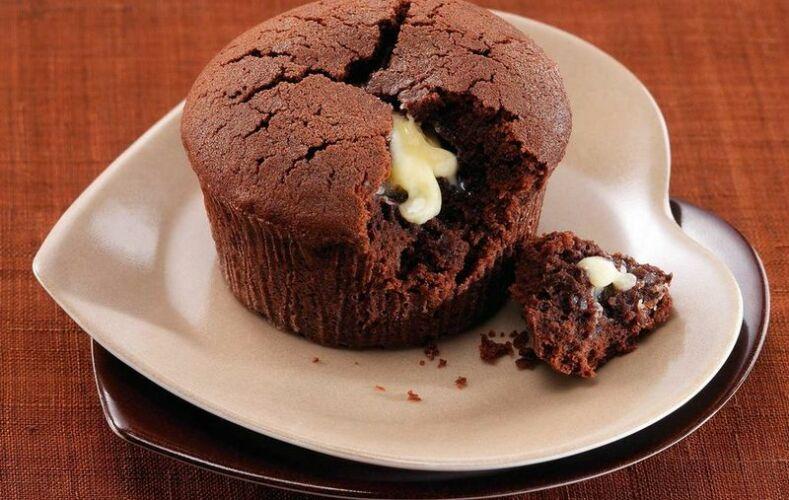 tortino-fondente-con-cuore-morbido-di-cioccolato-bianco
