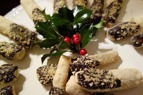 tronchetti-ricoperti-cioccolato-e-nocciole