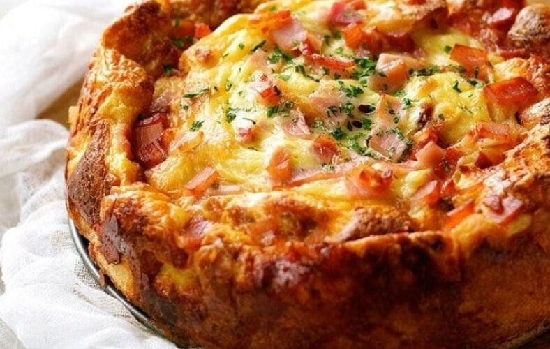 torta-di-pane-raffermo-salata-pomodoro-mozzarella-avanzi