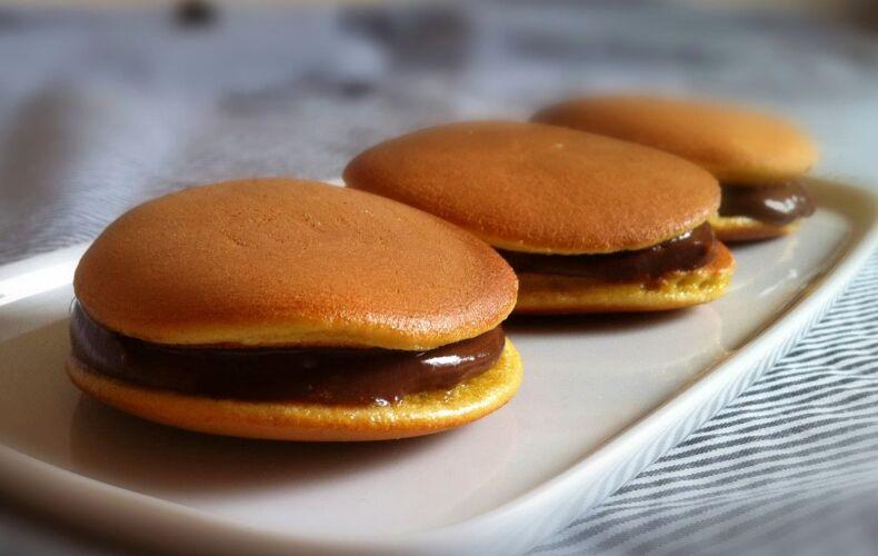 Dorayaki-alla-nutella-pancake-giapponesi-doraemon