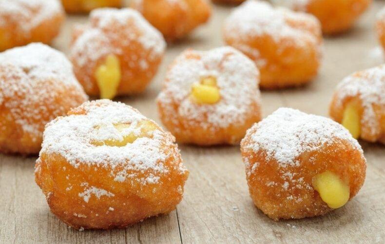 Frittelle-di-Carnevale-alla-Crema-castagnole-fritte