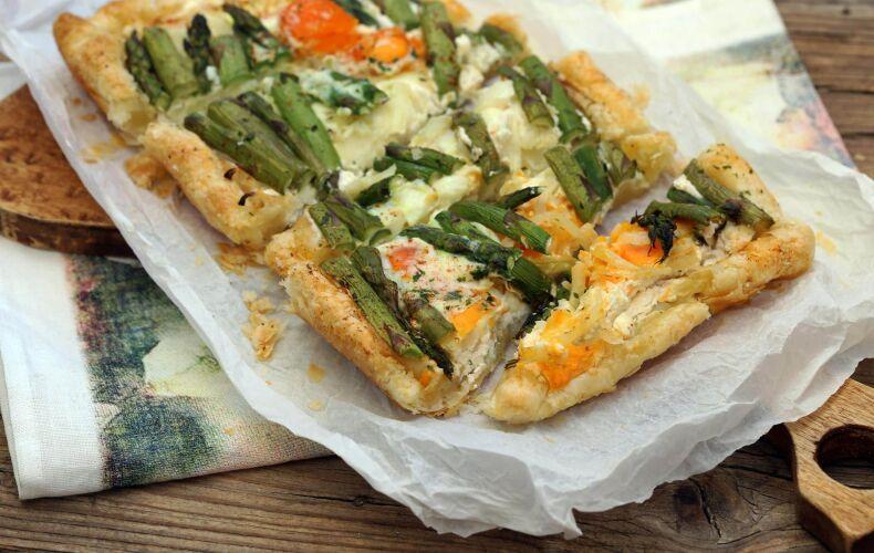 pasta-sfoglia-asparagi-formaggi