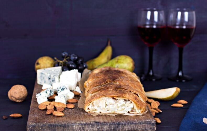 strudel-salato-gorgonzola-pere