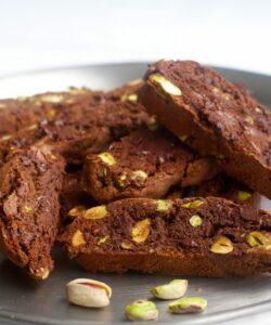 cantucci-cioccolato-pistacchio