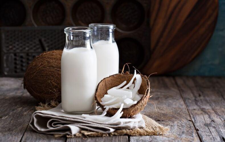 ricetta-latte-di-cocco-fatto-in-casa