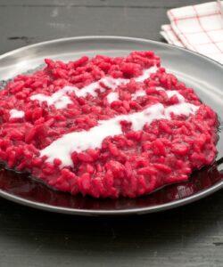 risotto-barbabietola-con-fonduta-taleggio