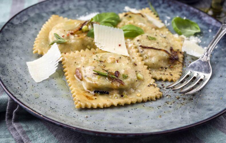 Ravioli di Patate e Pancetta con Burro e Salvia