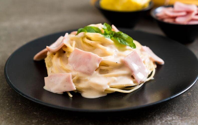 Spaghetti-con-Crema-al-Prosciutto