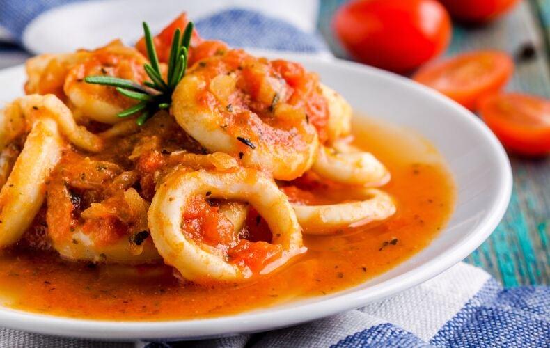 Ricetta Calamari Al Sugo 2