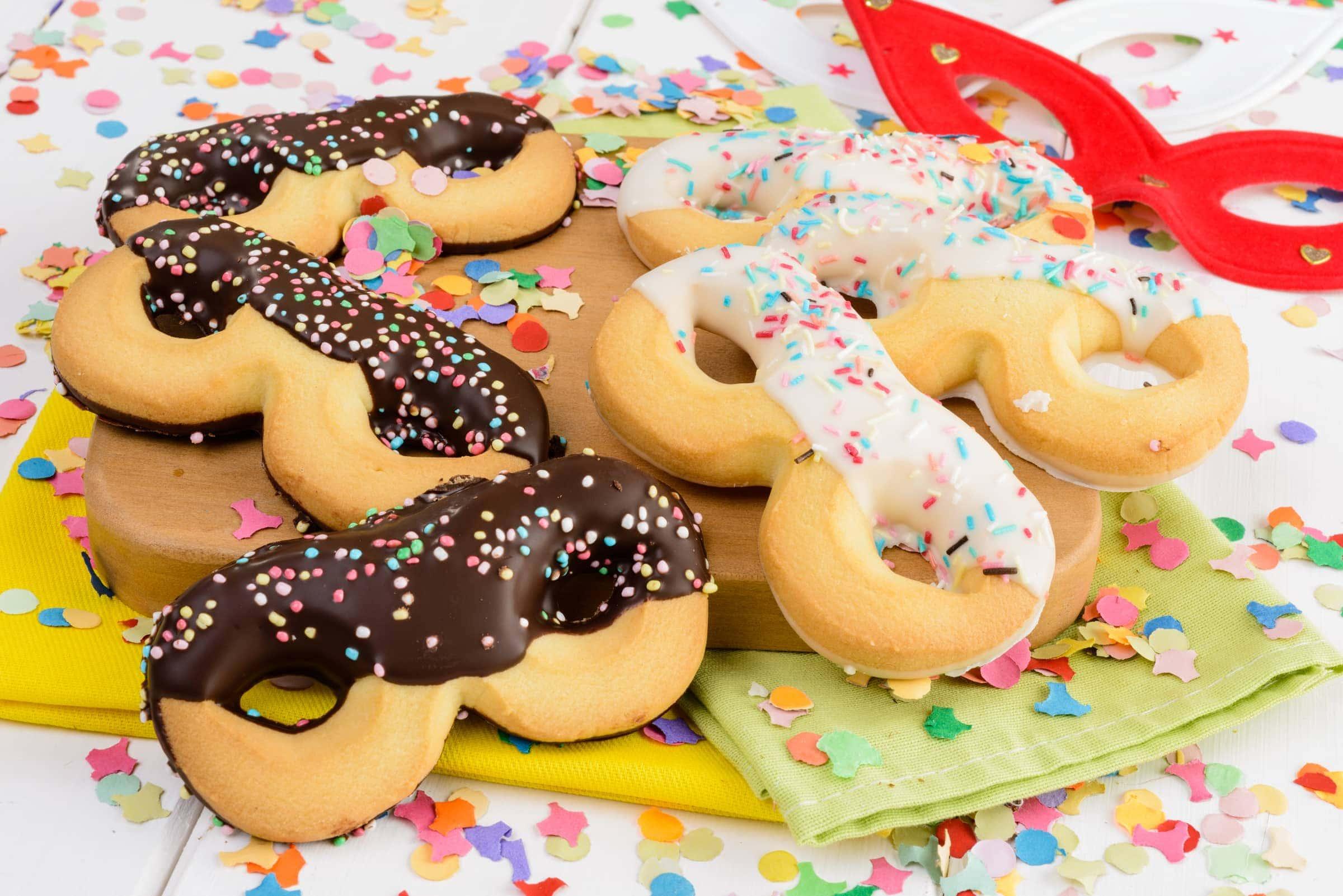 Ricetta Maschere di Carnevale di Pasta Frolla - Il Club delle Ricette 468b034a8475