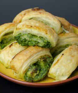 ricetta-ravioli-di-sfoglia-con-broccoli-e-ricetta-ravioli-di-sfoglia-con-broccoli-e-salsiccia