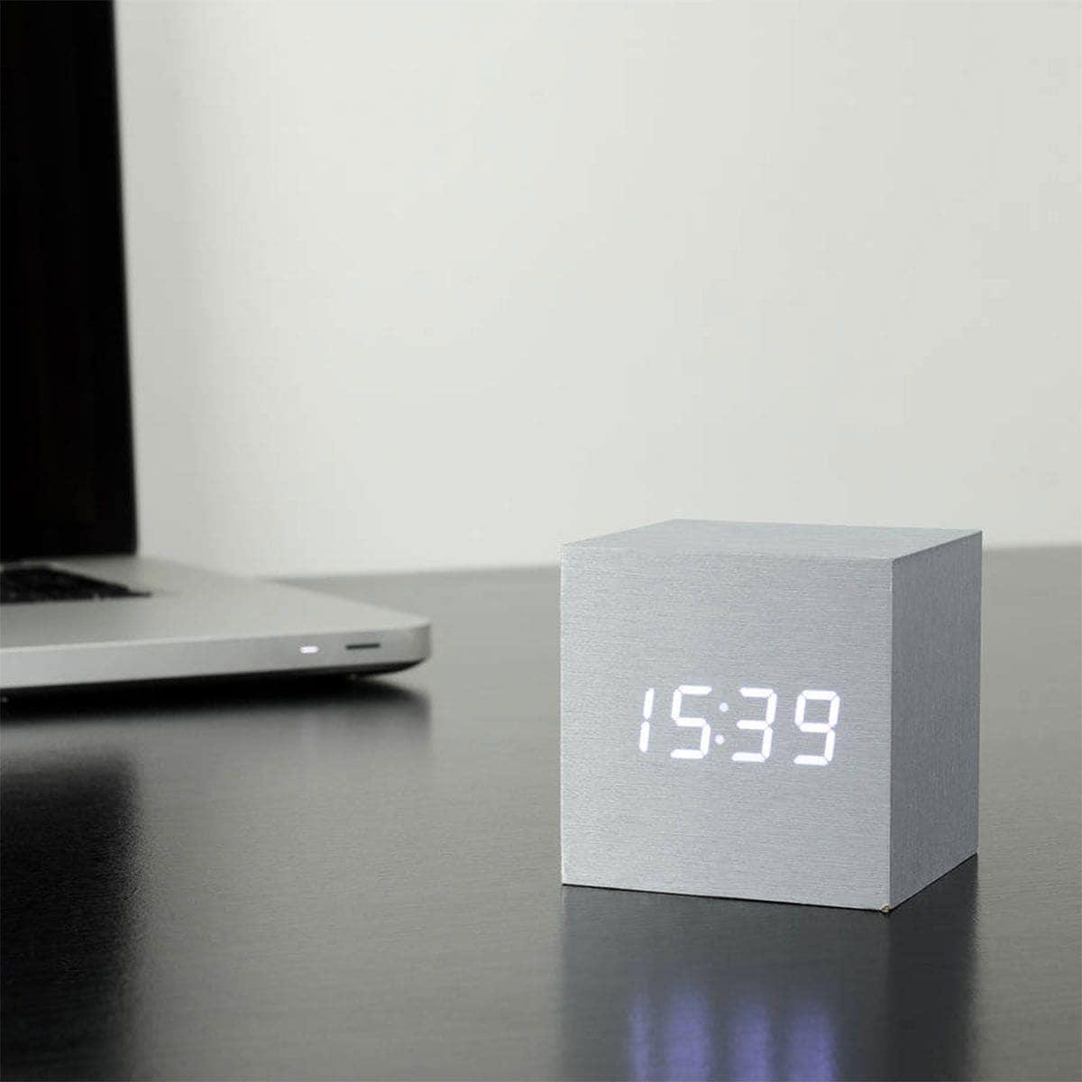 Sveglia Digitale Cubo Legno LED Scrivania Comodino XAGOO Alarm Clock Wood Cube Orologio Sound Set Mute Colore di Bambù