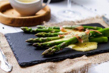 asparagi-in-salsa-olandese