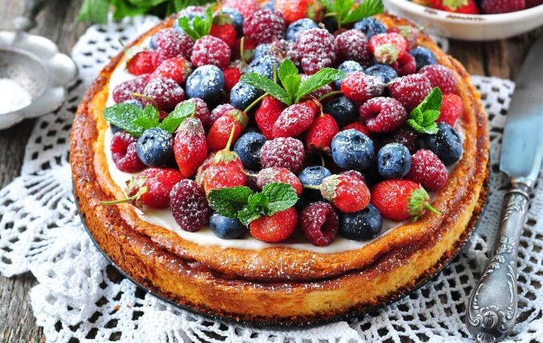 cheesecake-con-crema-al-mascarpone-e-frutta-fresca