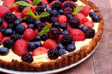 Crostata Senza Cottura con Crema Diplomatica e Frutta Fresca