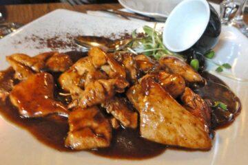 petto-di-pollo-in-salsa-al-caffè