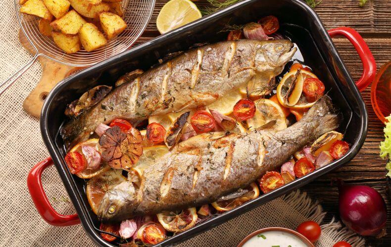 trota-al-forno-con-verdure