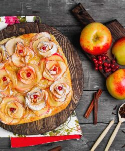 ricetta-torta-di-mele-con-roselline