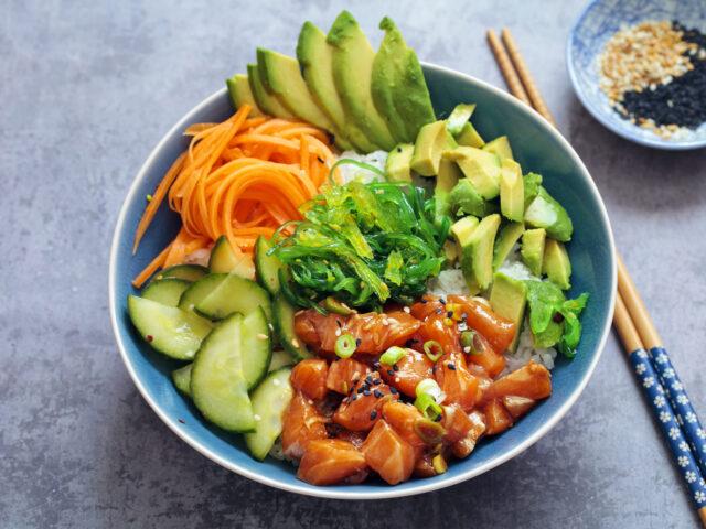 Ricetta Poke Bowl al Salmone e Avocado - Il Club delle Ricette