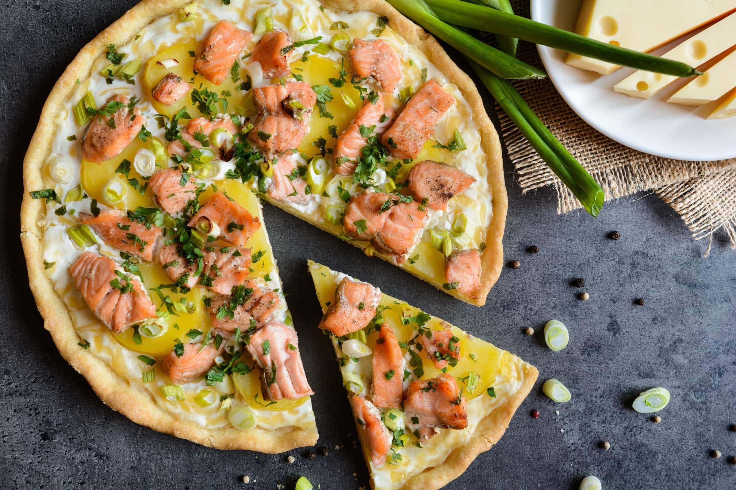 Ricetta Quiche Salmone E Zucchine.Ricetta Torta Salata Con Salmone E Patate Il Club Delle Ricette