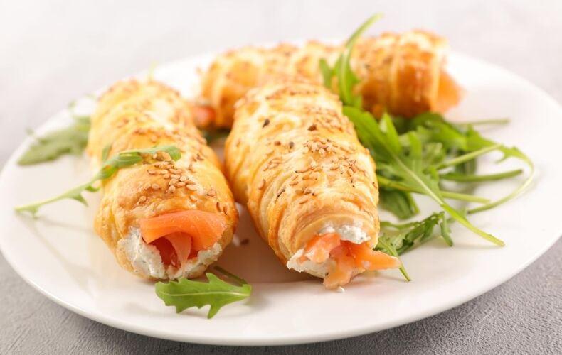 Ricetta Cannoli Di Pasta Sfoglia Con Salmone E Philadelphia