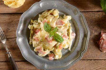 Ricetta Fettuccine Con Asparagi Pancetta E Panna