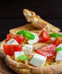Ricetta Friselle Con Pomodoro E Mozzarella