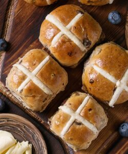 Ricetta Hot Cross Buns Panini Dolci Di Pasqua