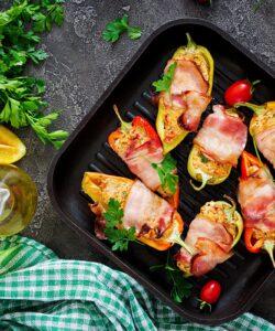 Ricetta Peperoni Ripieni Avvolti Nel Bacon
