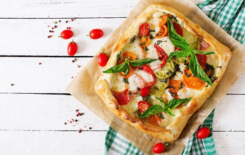 Ricetta Torta Salata Con Pomodori E Mozzarella
