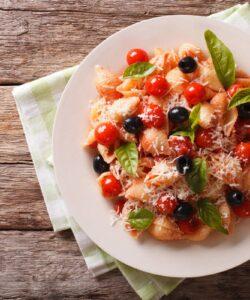 Ricetta Conchiglie Con Pomodorini E Olive