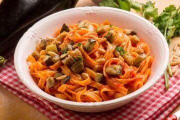 Ricetta Linguine Al Sugo Con Melanzane Fritte
