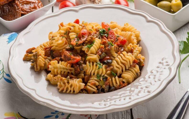 Ricetta Pasta Con Pomodori Secchi E Olive