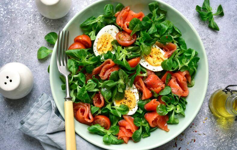 Ricetta Insalata Con Salmone Uova E Pomodorini