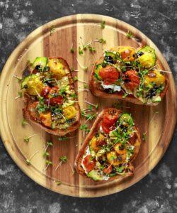 Ricetta Bruschetta Con Formaggio E Verdure Grigliate