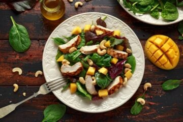 Ricetta Insalata Di Pollo Con Mango E Spinaci