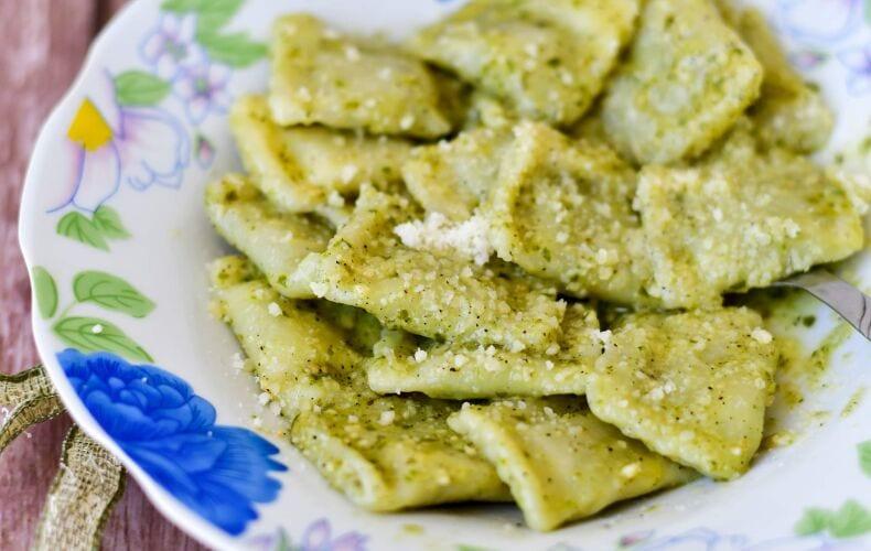 Ricetta Ravioli Ricotta E Spinaci Al Pesto