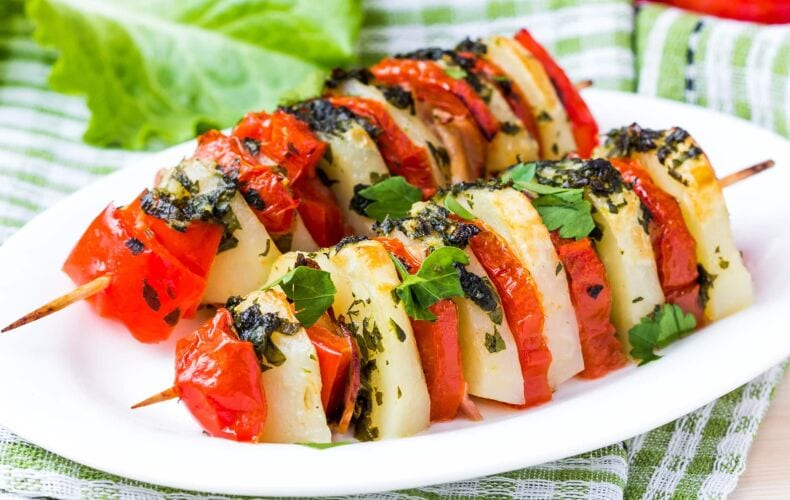 Ricetta Spiedini Vegetariani Patate Pomodoro E Peperoni