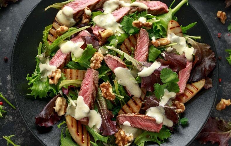Ricetta Tagliata Di Carne Con Pere Noci E Salsa Al Gorgonzola