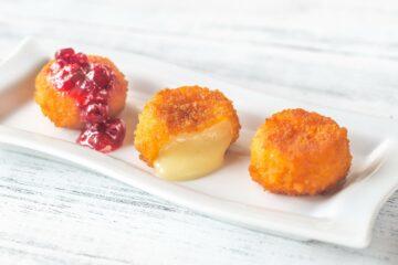 Ricetta Camembert Fritto Con Salsa Al Ribes