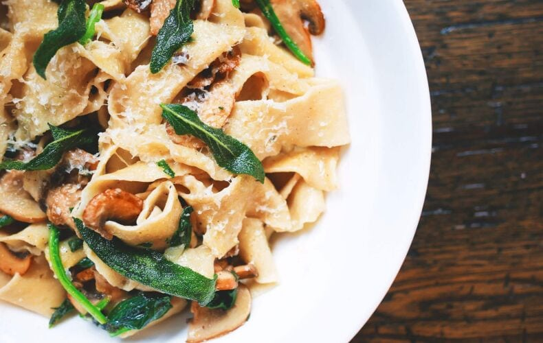 Ricetta Pappardelle Con Funghi Burro E Salvia