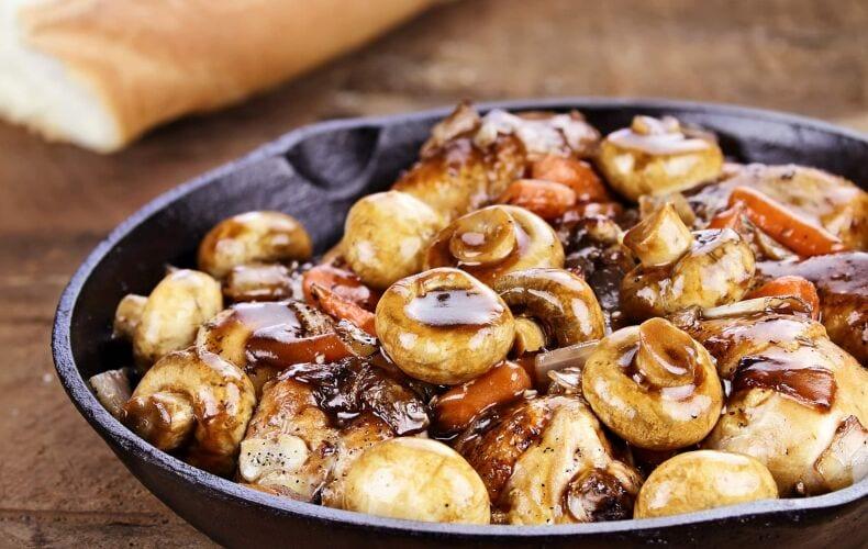 Ricetta Pollo Ai Funghi Cotto In Padella