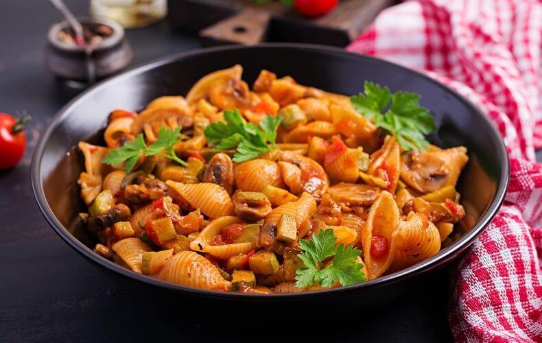 Ricetta Conchiglie Con Pomodoro Funghi E Zucchine