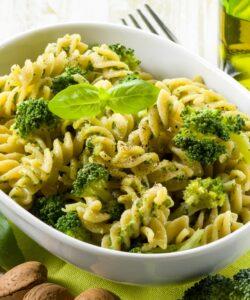 Ricetta Fusilli Al Pesto Di Broccoli E Mandorle