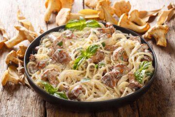 Ricetta Spaghetti Ai Funghi Finferli E Crema Di Parmigiano