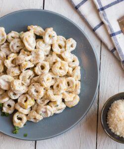 Ricetta Tortellini Alla Crema Di Parmigiano