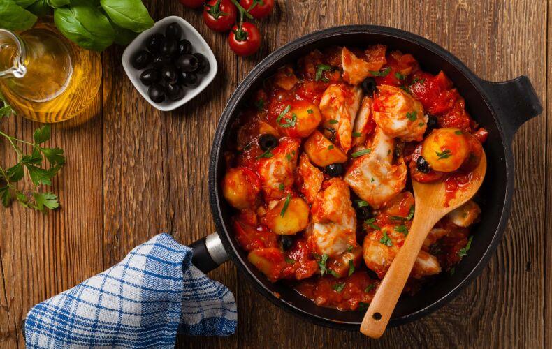 Ricetta Bocconcini Di Pollo Al Pomodoro Con Patate E Olive