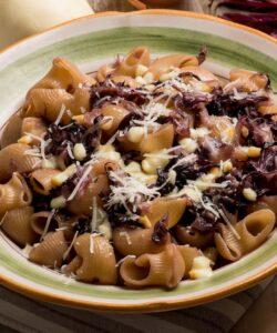 Ricetta Pasta Con Radicchio E Scamorza