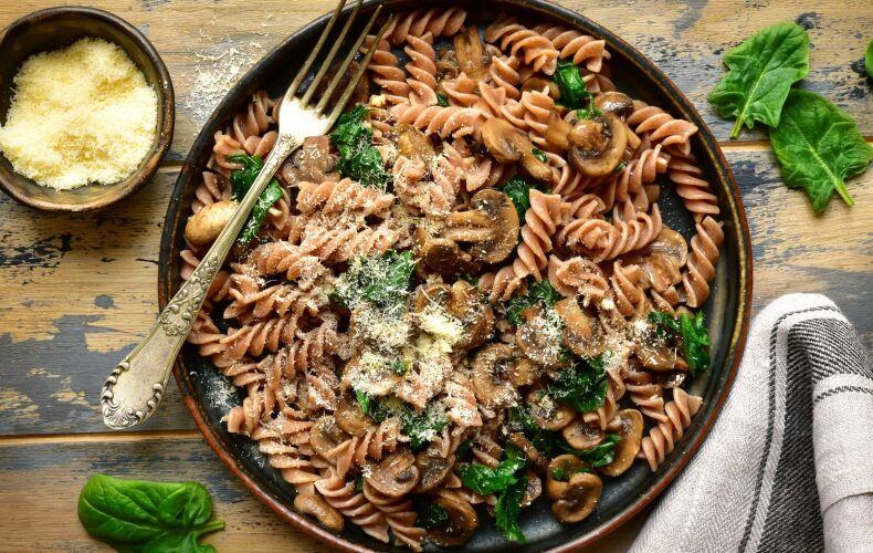 Ricetta Pasta Di Lenticchie Con Funghi E Spinaci